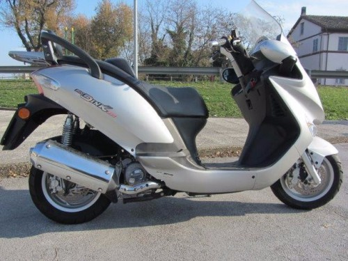 kymco-grand-dink-250